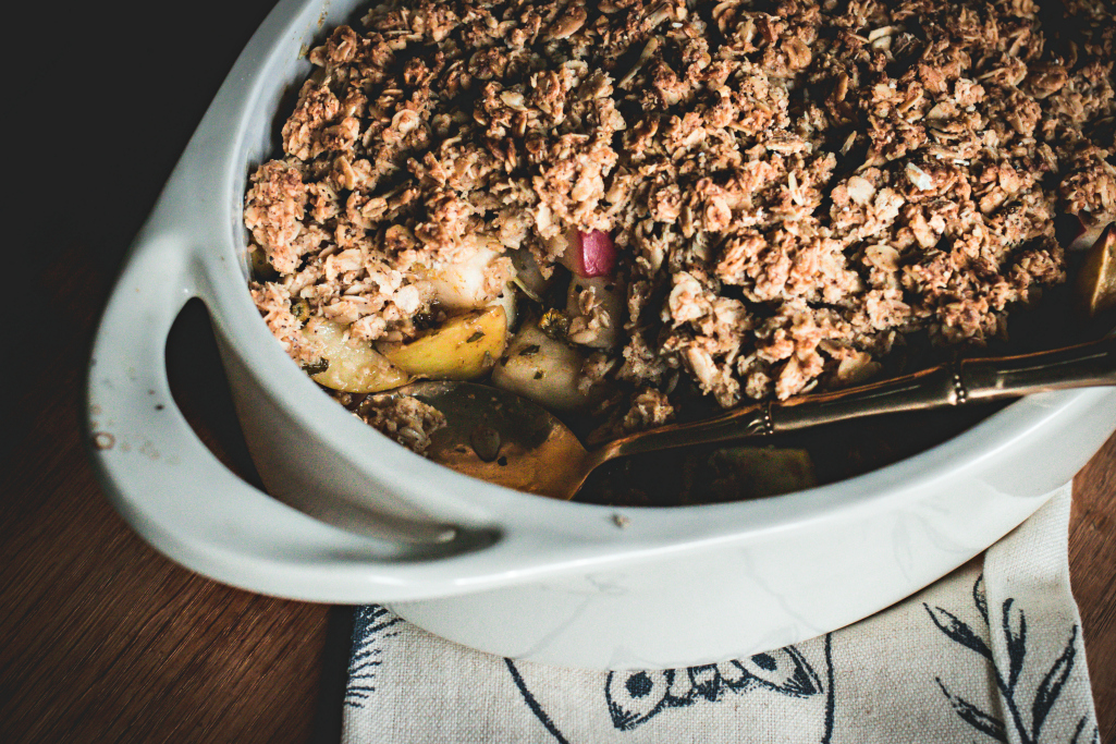 Chamomile & Anise Hyssop Apple Crumble | sweet miscellany