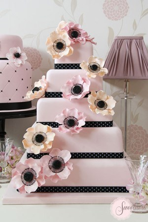 Anemone Wedding Cake, Wedding Cake Company London