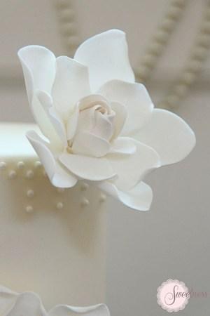 Gardenia wedding cake