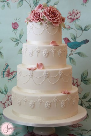 Vintage wedding cakes London