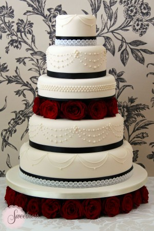 Gothic wedding cakes london, london wedding cakes, cake designer london