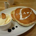らぽっぽ+CAFE『バニラビーンズパンケーキ キャラメルりんご』