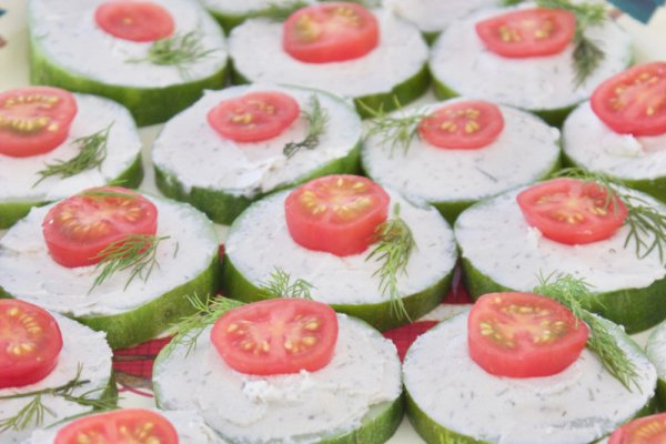 Cucumber canapés are a light, refreshing snack with a flavour burst of sweet dill. Only 4 ingredients and can be put together in less than 10 minutes.