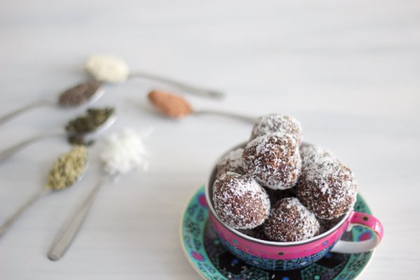 Nut free protein balls are chock-a-block full of nourishing seeds, cacao and coconut. They use only 8 ingredients and take less than 15 minutes to make.