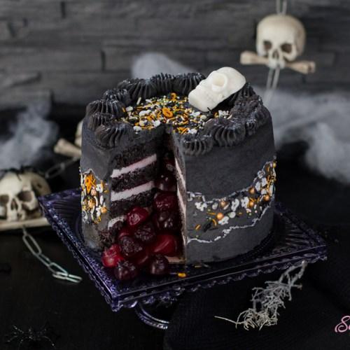 Halloween-Torte im Faultline Design … (vegan)