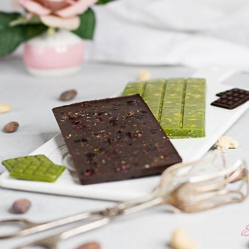 gesunde Schokolade einmal dunkel einmal mit Matcha
