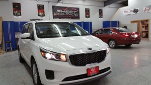 Mankato Dealership Gets Two Kia Sedona Rear Seat Entertainment Systems