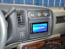 GMC Savana Van Technology