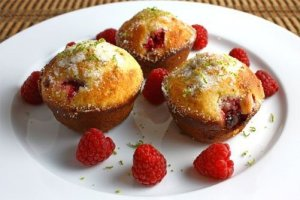 2 GreatRecipes – Raspberry and Banana Nut Muffins +Grazia Silicone MINI Muffin Pan Review