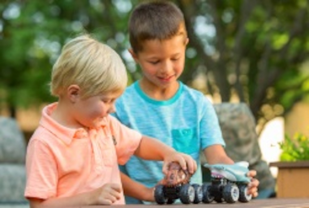 Explore your sense of adventure with Wild Republic's nature-inspired toys. With a variety of outdoor toys, explorer accessories and interactive playsets to choose from, you're sure to find the perfect toy for your next adventure.