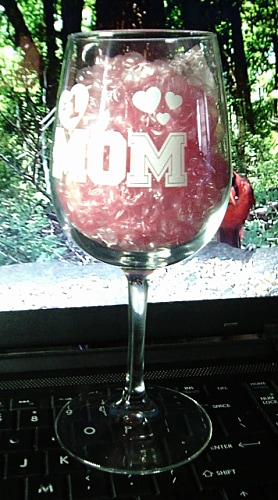 Best Valentine's Day Gift for Mom ❤#1 Mom Wine Glass