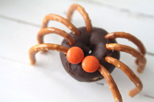 Easy Mini-Donut Spiders