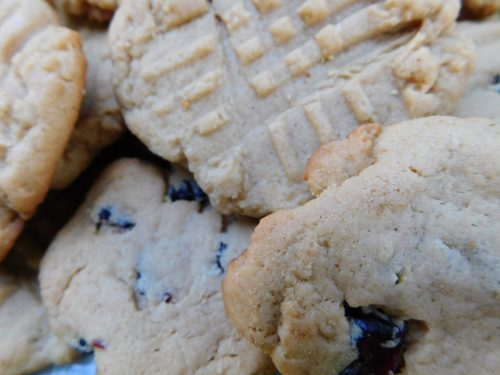 Paula's Easy Peanut Butter Powder Cookies #EasyRecipe #CookieRecipe #holiday #baking #cookieswap