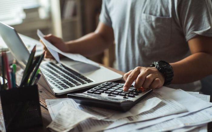 Are You Struggling To Make Your Monthly Payments? A debt consolidation loan can help you reclaim your financial freedom. #finances #finacial #debt #debtconsolidation #loan #budget #money