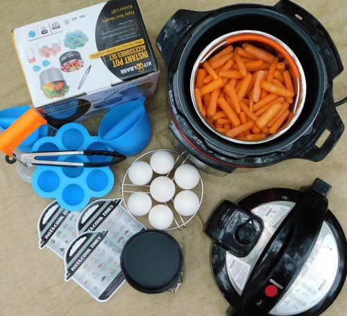 Must Have Accessories For Your Instant Pot/Electric Pressure Cooker - Most electric pressure cookers come with a few useful tools but there are so many other must have accessories available that make using your pot even better. #Instapot #InstantPot #PressureCooker #Cooking #Instacook #ElectricPressureCooker #ElectricPressureCooking