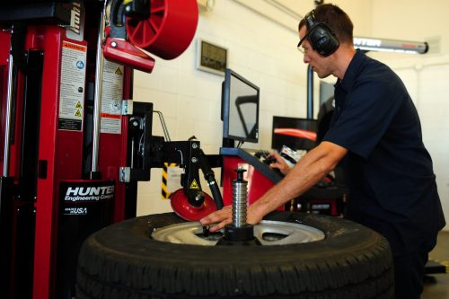 Attention Garage Owners & Service Stations - Check out these Discounts on Tire Changers at Best Buy Auto Equipment #TireChanger