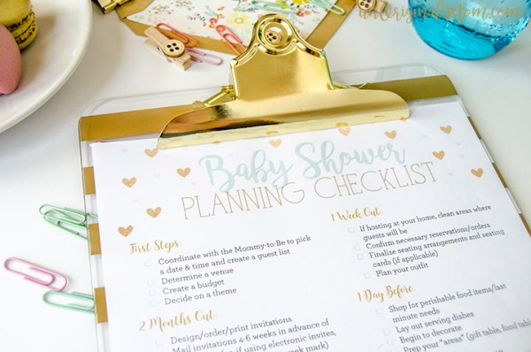 How To Host a Baby Shower on a Small Budget - Money saving tips to help you plan a baby shower. Plan a Baby Shower #BabyShower #Budget #Baby #Party