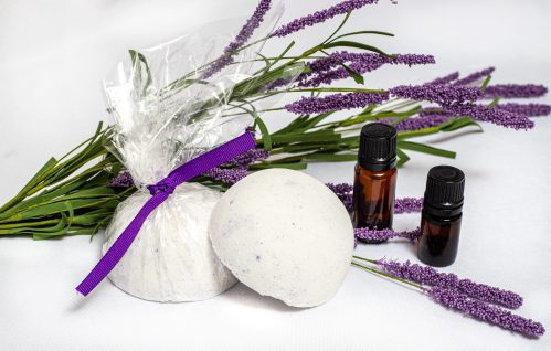The Safe Use Of Undiluted Essential Oils & How To Make Long Lasting Aromatherapy Shower Steamers #Aromatherapy #EssentialOils #ShowerSteamers #DIY #Homemade #Beauty #Health