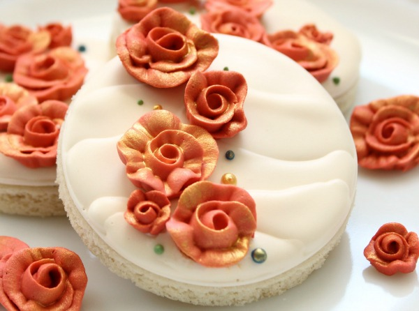 how to make ribbon roses out of royal icing