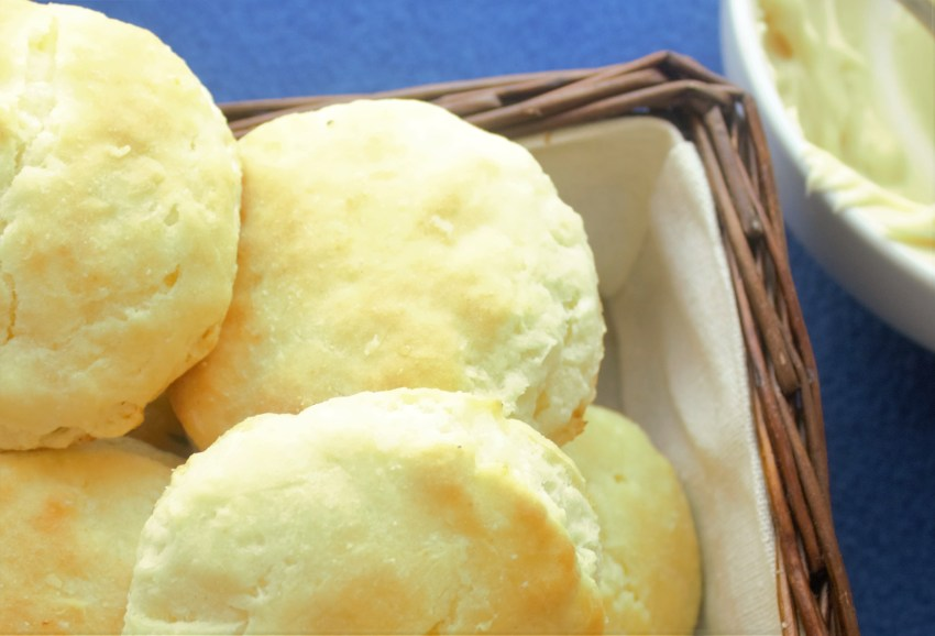 Buttermilk Biscuits - Sweet Tea &Thyme