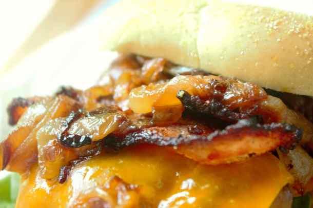 Caramelized Onions - Sweet Tea & Thyme