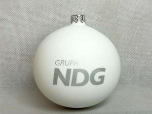 producent bombek, bombki z logo, bombka biała NDG