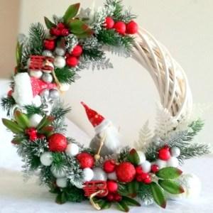 Wianek świąteczny z Mikołajem nr. 60