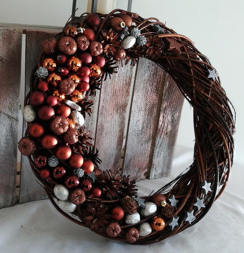 Wianek świąteczny gorąca czekolada roz.L nr. 64