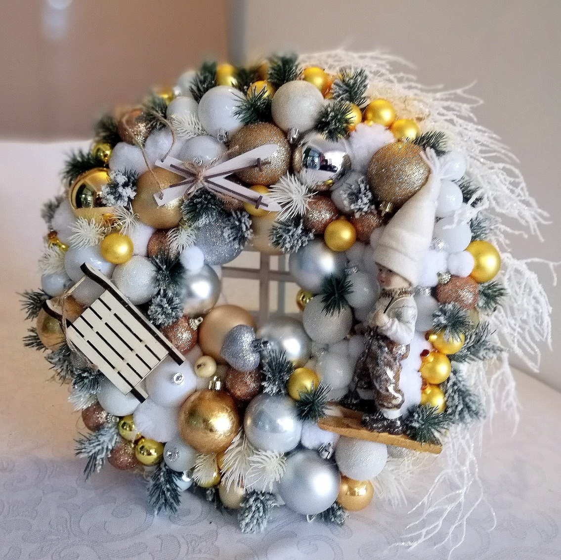Wianek świąteczny złoto biały nr.68