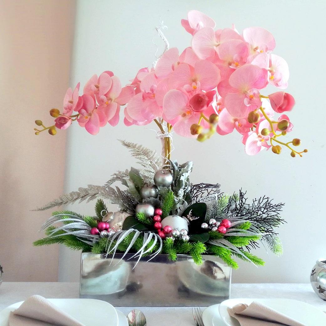 Bożonarodzeniowy stroik z różowym storczykiem nr 245