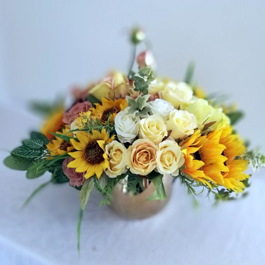 Kompozycja kwiatowa Złote słoneczniki nr 348