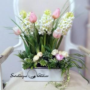 Wiosenna kompozycja kwiatowa biało różowa nr 427