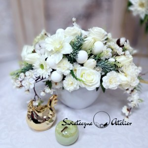 Wielkanocna kompozycja kwiatowa w bieli nr 458