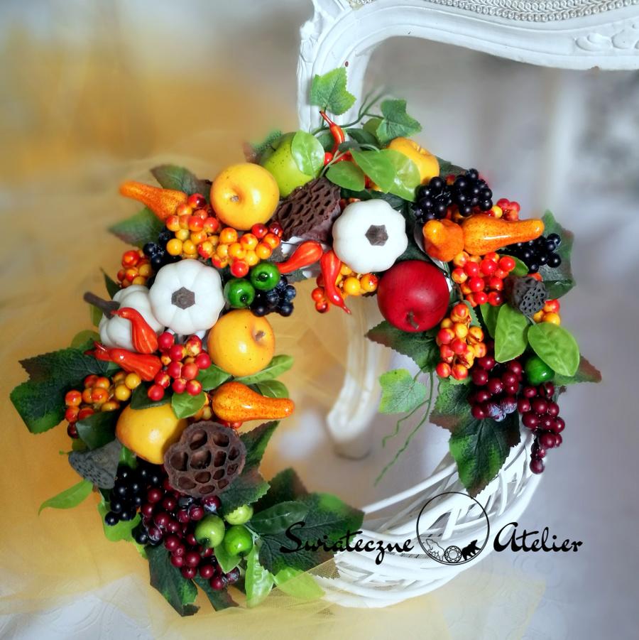 Jesienny wianek z owocami nr 178