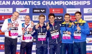 3m. Synchro men Podium (L to R) RUS ZAKHAROV Ilia, KUZNETSOV Evgenii Silver; GBR LAUGHER Jack, MEARS Christopher Gold; UKR KVASHA Ilyia, GORSHKOVOZOV Oleksandr London, Queen Elizabeth II Olympic Park Pool LEN 2016 European Aquatics Elite Championships 3m. Synchro men Podium Day 05 13-05-2016 Photo Giorgio Scala/Deepbluemedia/Insidefoto