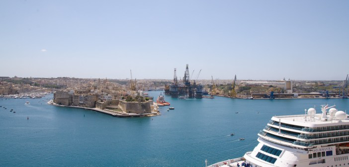 15666966621_d2fb4009fb_b_valletta-harbour