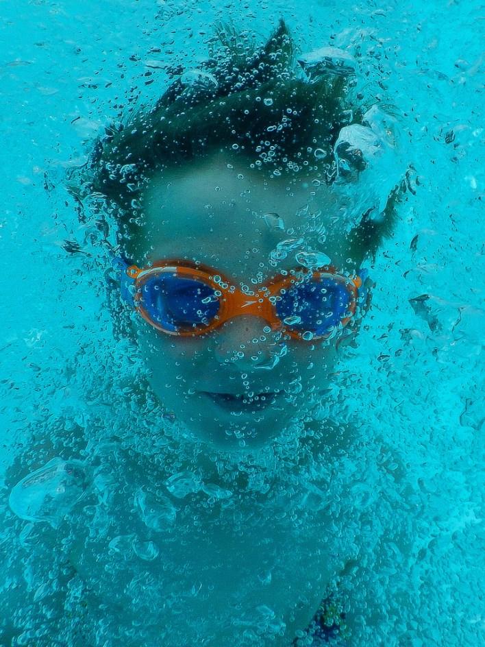 swim goggle photo