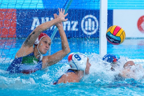 1 GORLERO Giulia ITA (Red Cap) ITA - RUS Italy (white caps) vs. Russia (blue caps) Barcelona 27/07/2018 Piscines Bernat Picornell Women Final 5th 6th place 33rd LEN European Water Polo Championships - Barcelona 2018 Photo Andrea Staccioli/Deepbluemedia/Insidefoto