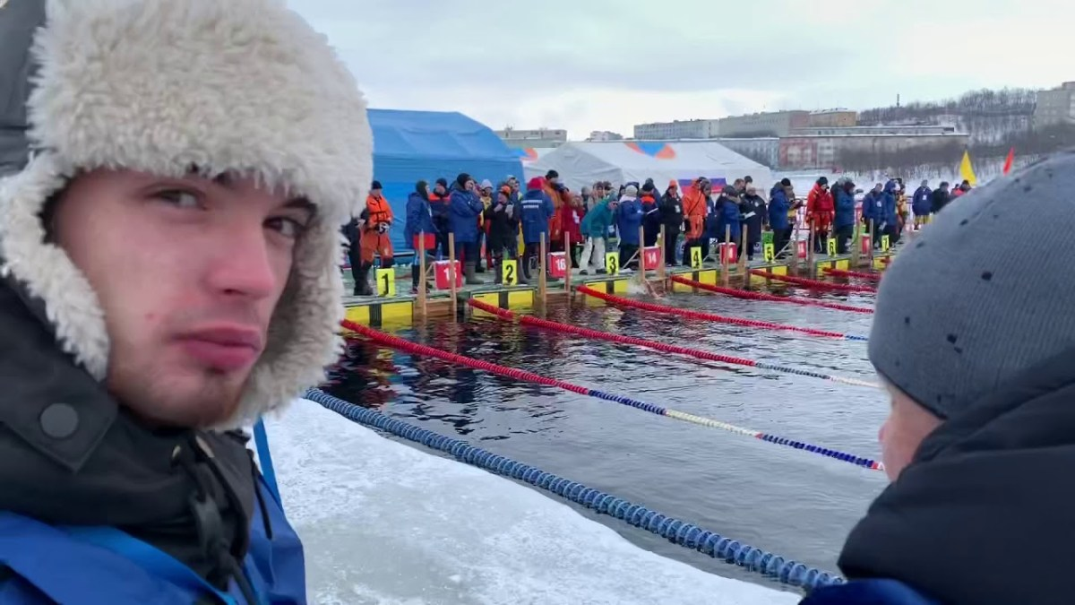Female Ice Swimming 1000m World Championships (with violin music)
