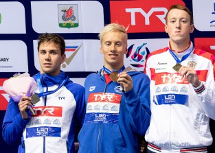 (L to R) TOMAC Mewen FRA, CEJKA Jan CZE, DOLOMANOV Egor RUS TOMAC Mewen FRA, CEJKA Jan CZE, DOLOMANOV Egor RUS Medal Ceremony LEN European Swimming Junior Championships 2019 Aquatic Palace Kazan Day 4 06/07/2019 Photo G.Scala/Deepbluemedia/Insidefoto