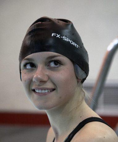 FX-Sport-VRX-Swimming-Headphones.-waterproof-mp3-waterproof-headphones-swimming-mp3-player-wireless-sport-headphones-earphones.-swimming-cap-girl-3-599x720