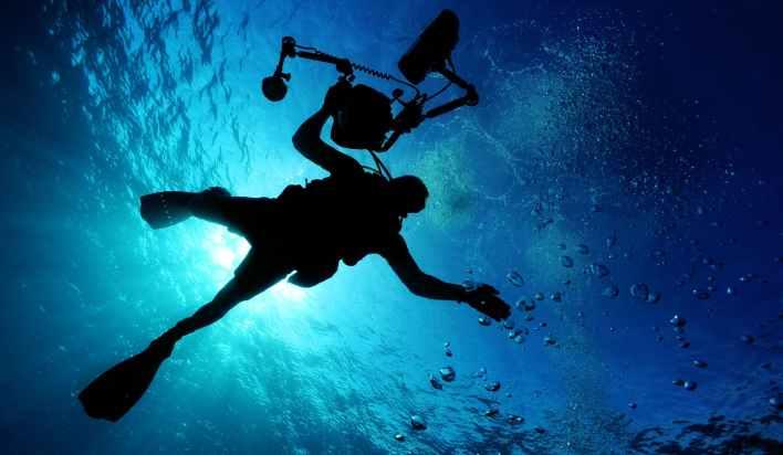 light sea water camera