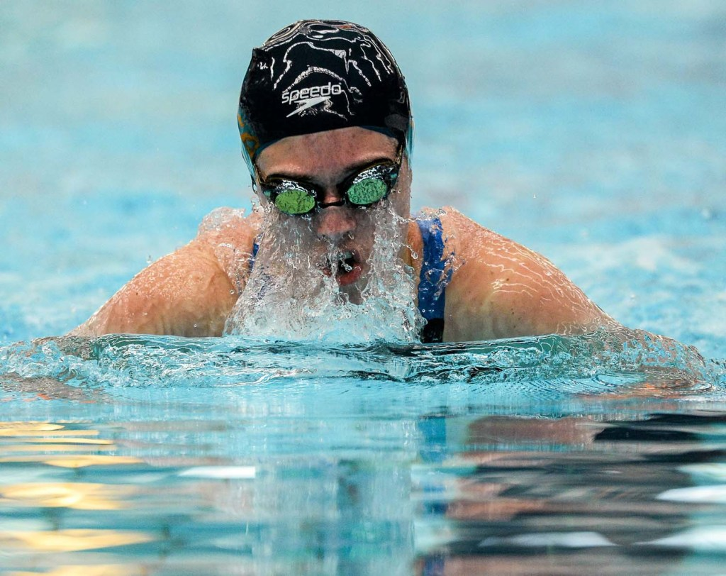 1 May 2015; Olivia Anderson, NCSA, on her way to winning the semi-final of the women's 100m breaststroke event, during the 2015 Irish Open Swimming Championships at the National Aquatic Centre, Abbotstown, Dublin. Picture credit: Paul Mohan / SPORTSFILE