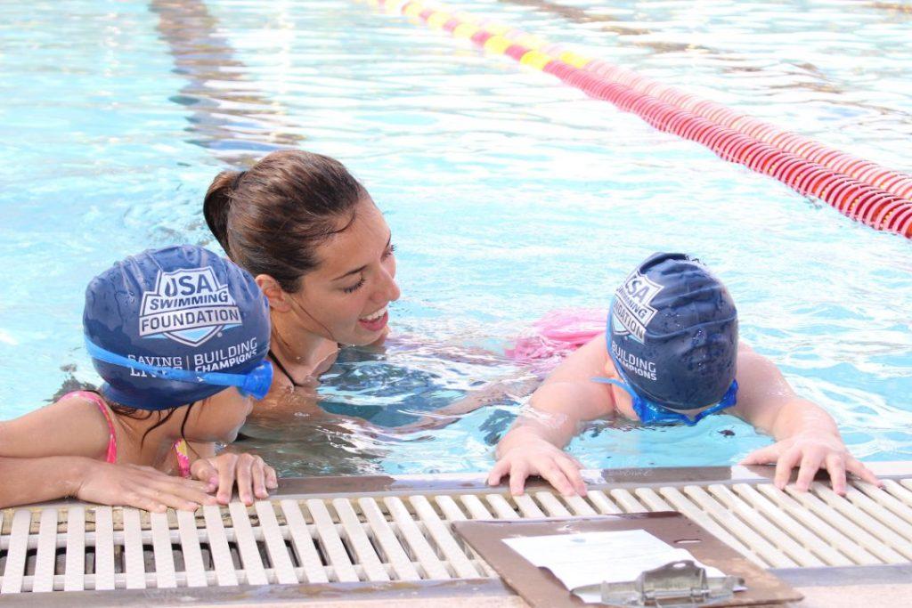 instructor-with-kids-at-make-a-splash