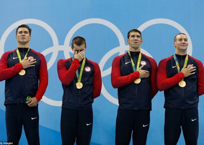 36FE3A7F00000578-0-Ryan_Held_second_left_broke_down_in_tears_as_he_stood_on_the_pod-m-117_1470633751251
