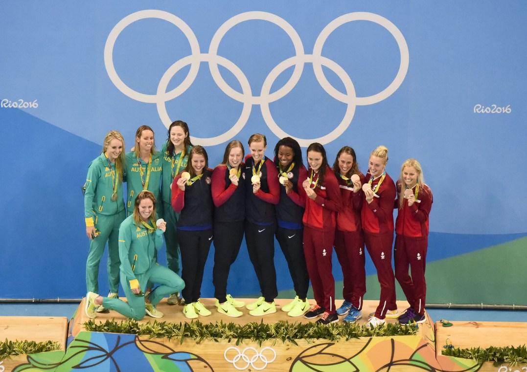 podium-australia-usa-denmark-400-medley-relay