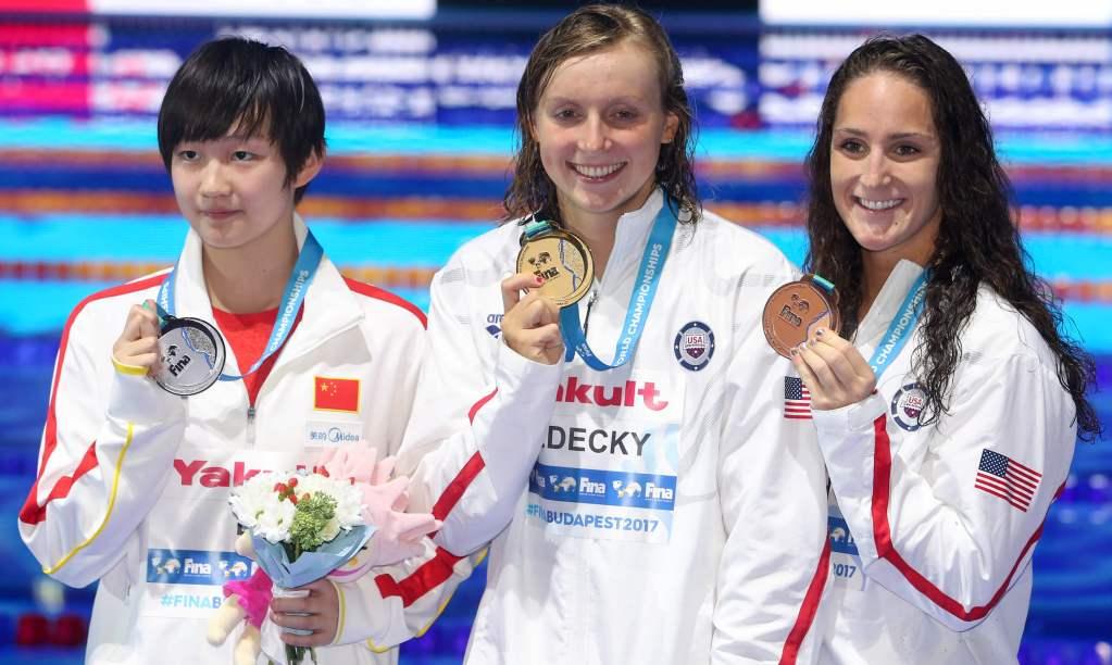 bingjie-li-chn-katie-ledecky-usa-leah-smith-usa-medals-2017-world-champs