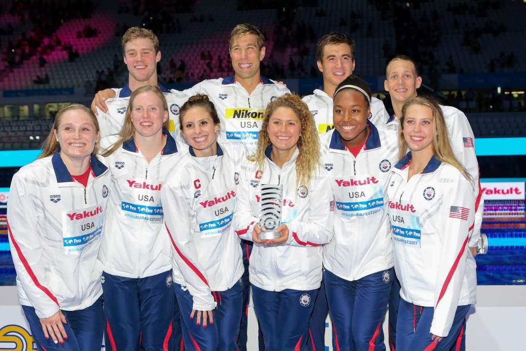 team-usa-trophy-best-team-2017-world-champs