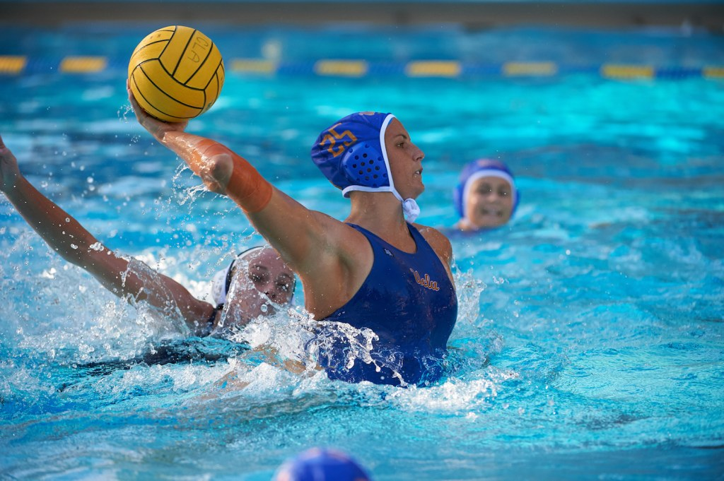 UCLA Athletics - 2018 UCLA Women's Water Polo versus the Loyola Marymount Lions, Sunset Recreational Center, UCLA, Los Angeles, CA. January 13th Copyright Don Liebig/ASUCLA 180113_WWP_0062.NEF