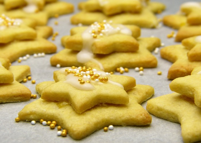 Cookie Cutter Christmas Biscuits Icing Sugar Star